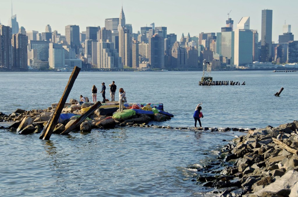 low tide on the East River