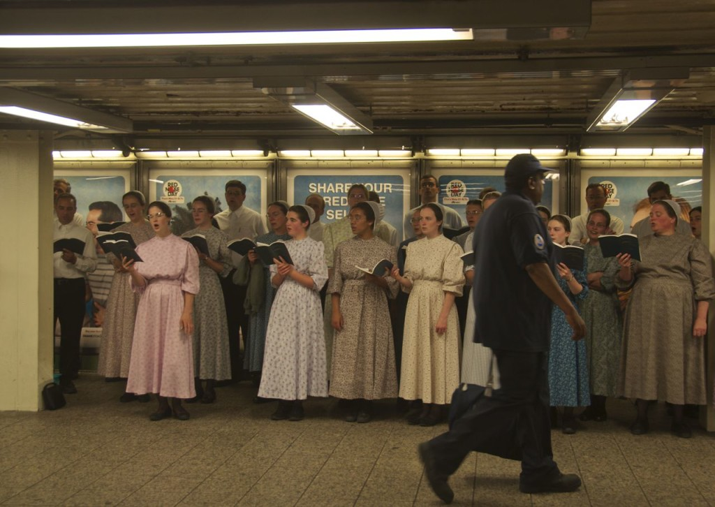 meniniate-choir-in-subway